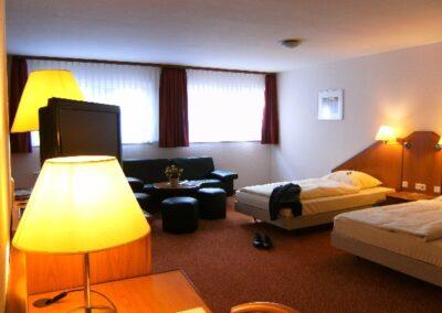 Apartment Souterain Hotel Aviva Großzimmern
